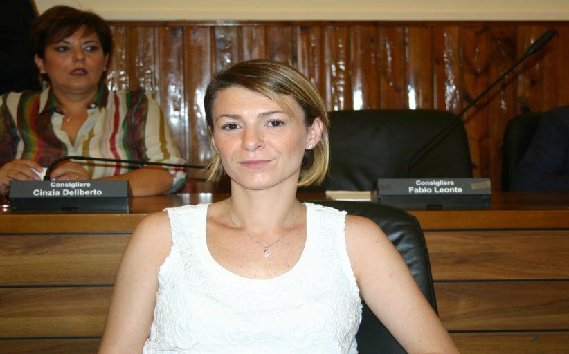 VALERIA GULOTTA FINISCE L'INDIPENDENZA E ABBRACCIA IL PD