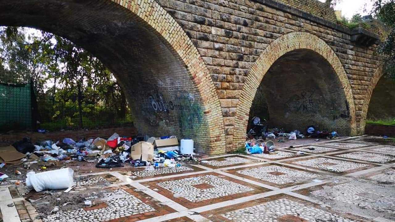 La città delle discariche, FdI: