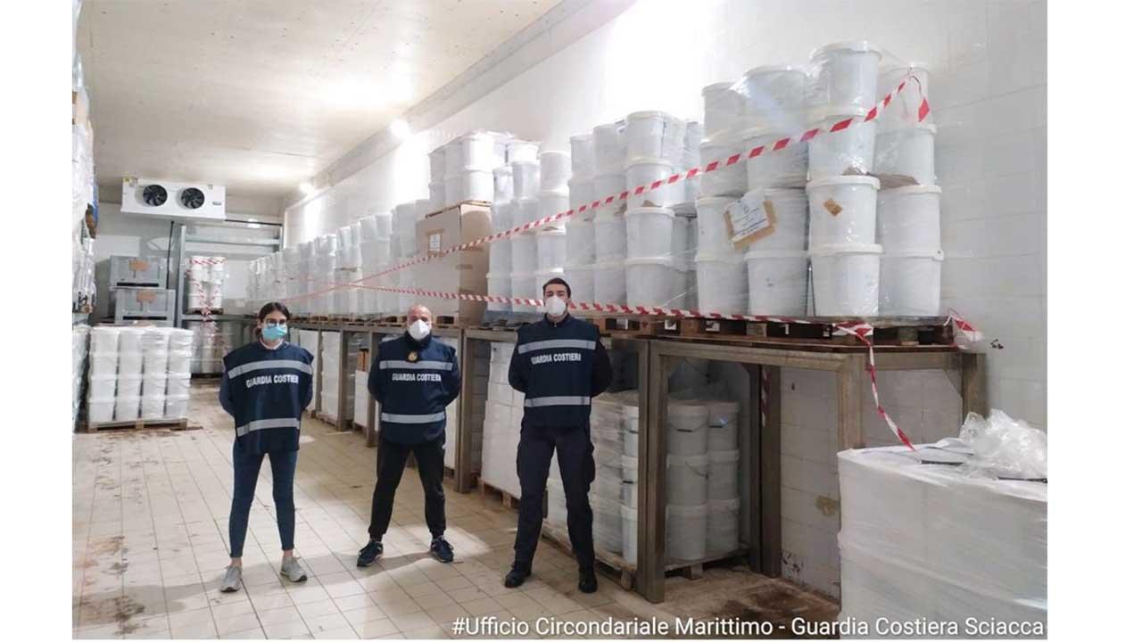 Sciacca, il Circomare sequestra 10,5 tonnellate di prodotto ittico con