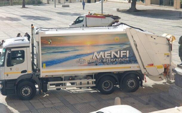 Raccolta rifiuti, il Comune acquista mezzi per 700 mila euro