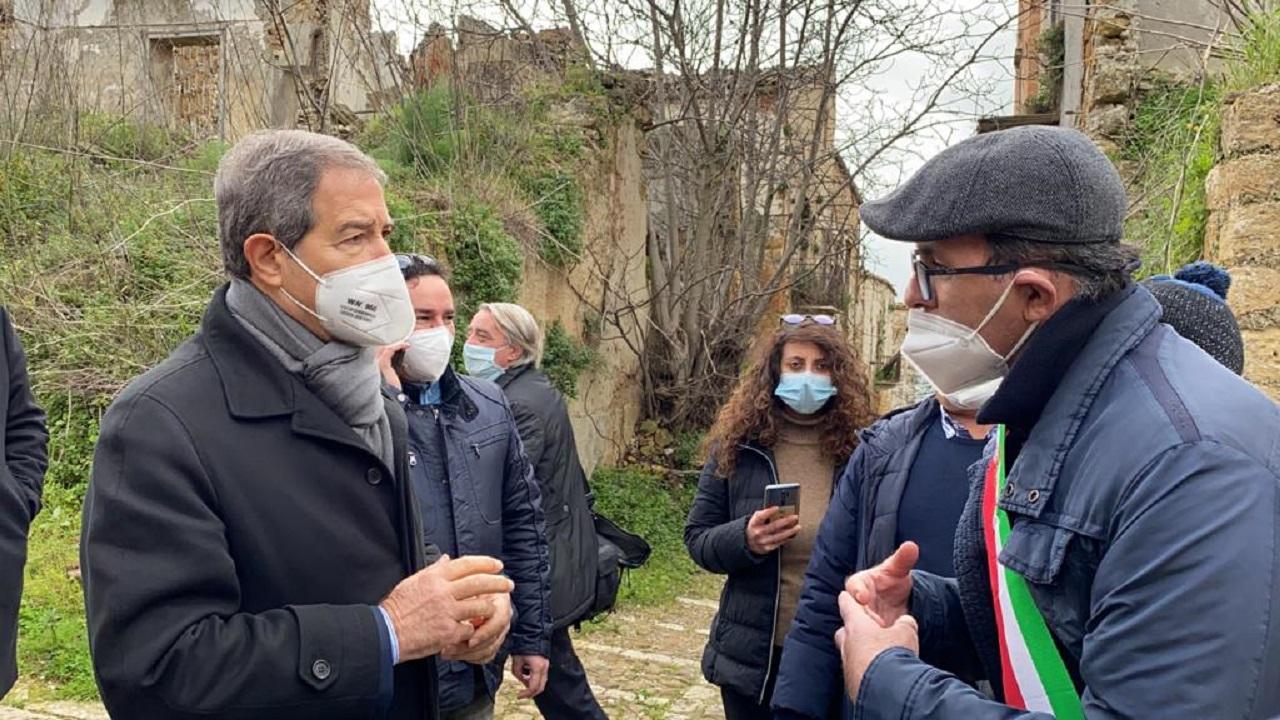 Belice: Presidente Musumeci nella vecchia Poggioreale che potrebbe diventare laboratorio all'aperto