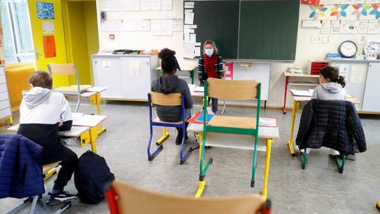 Scuola, l'augurio di Musumeci: «Gli studenti hanno diritto di vivere pienamente l'ambiente scolastico»