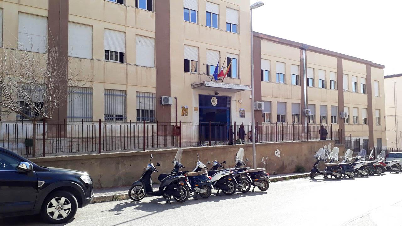 Media Inveges, oggi scuola chiusa per sanificazione