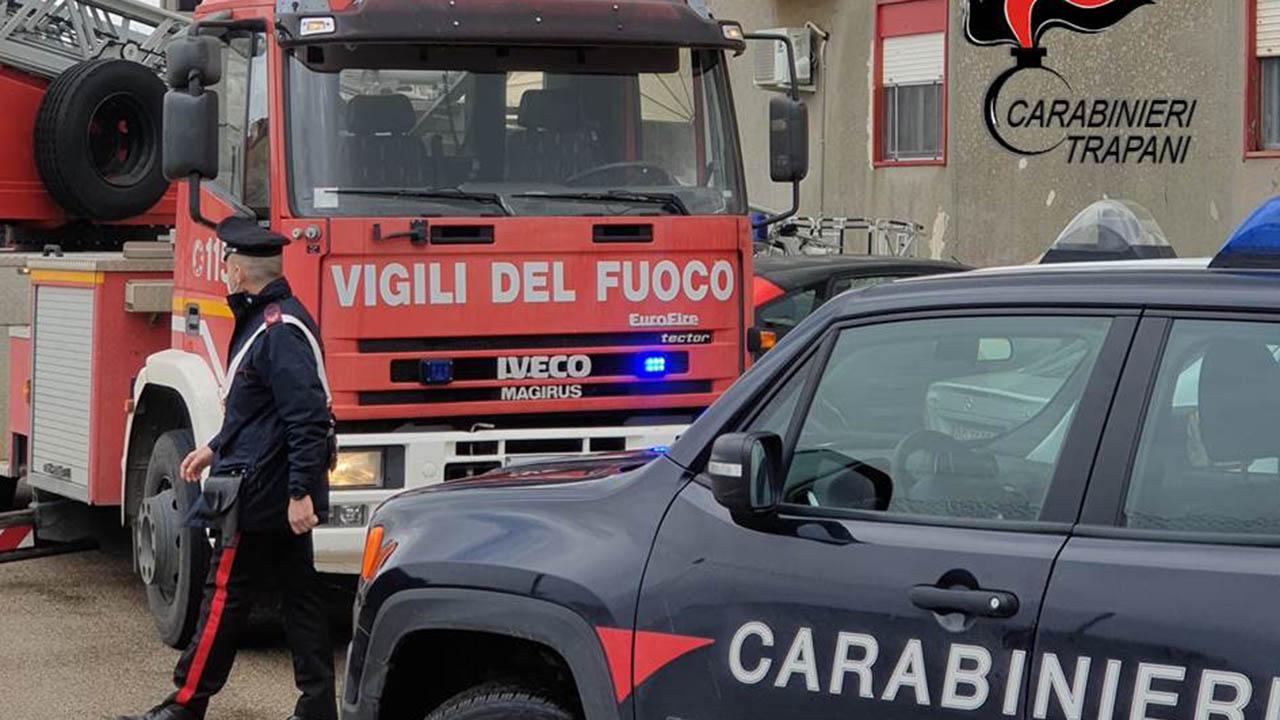 Petrosino: va a fuoco casa popolare, carabinieri e vigili del fuoco salvano due bambini