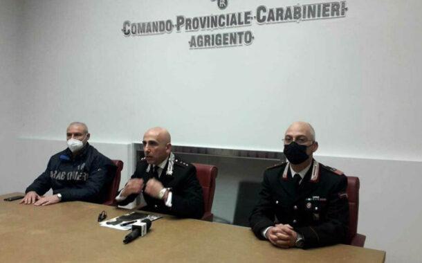 Colpi di martello in testa ad anziano per rapinargli 400 euro: arrestata l'ex badante