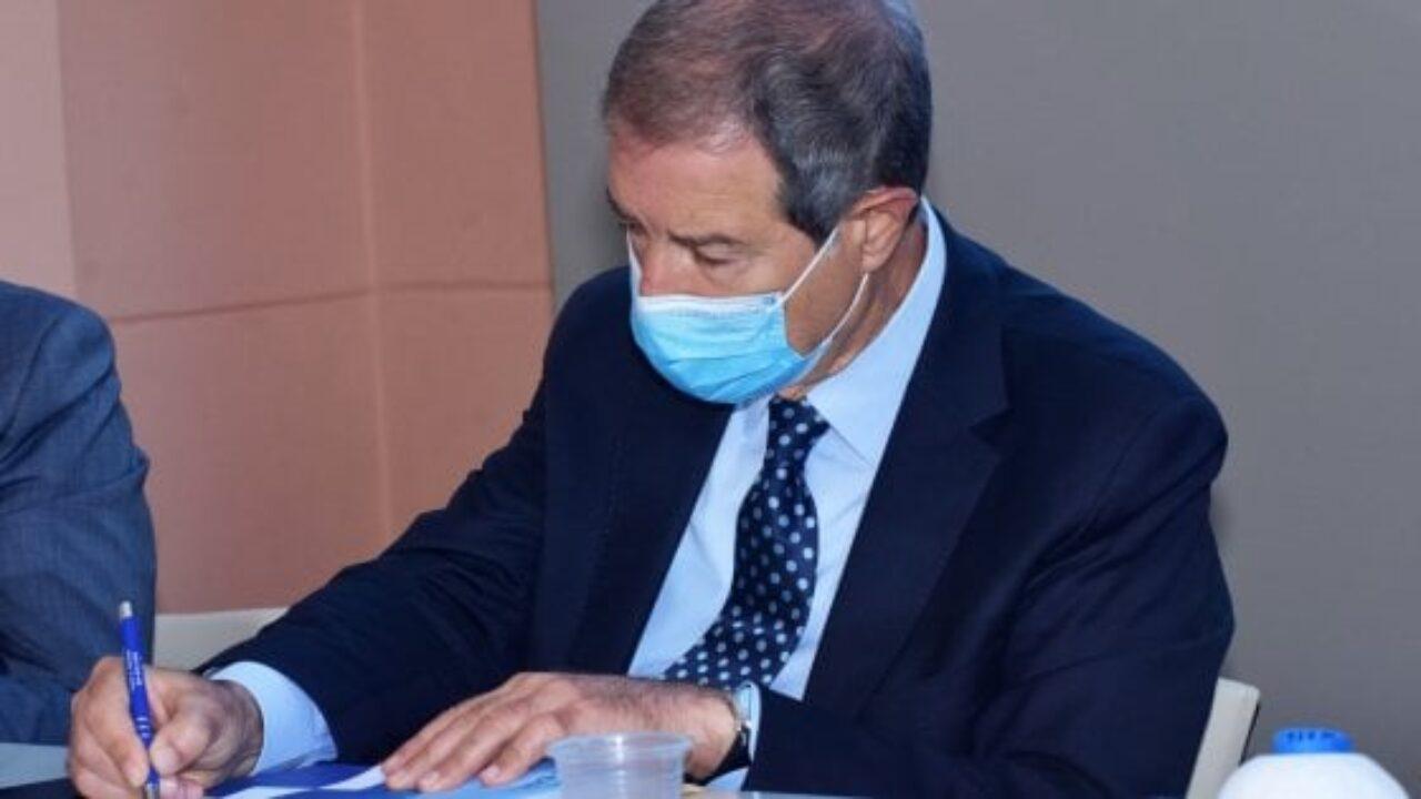 Musumeci e assessori in quarantena: presidente non potrà essere a Sciacca per inaugurazione Hub Vaccinale