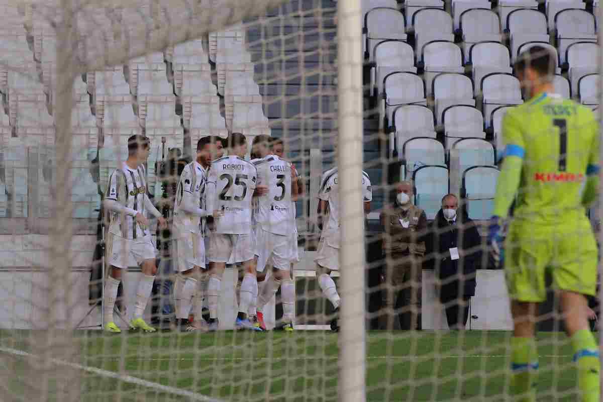 La Juve batte il Napoli 2-1 nello 'spareggio Champions'
