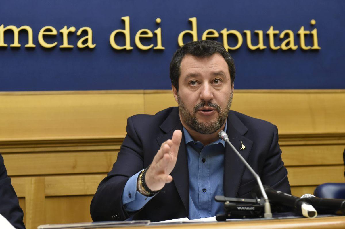 """Salvini """"Stiamo lavorando a un'estate da boom economico"""""""