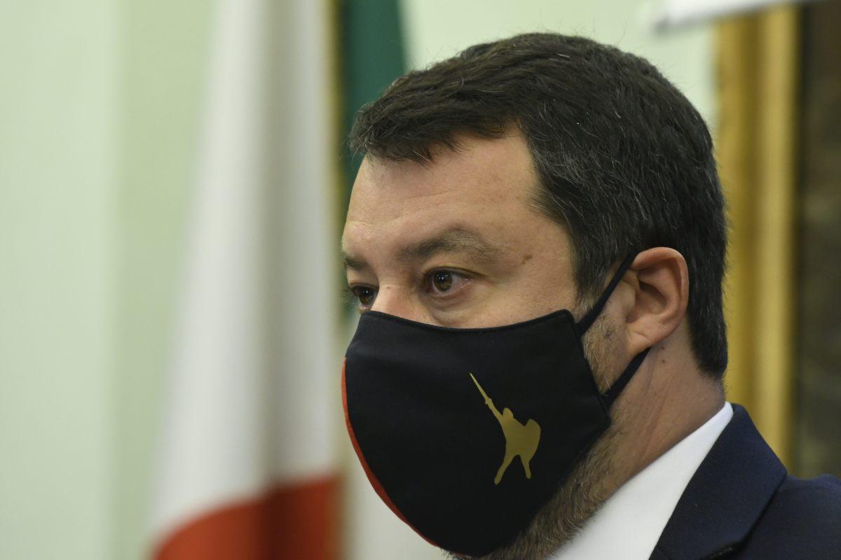 """Open Arms, Salvini rinviato a giudizio """"Una decisione politica"""""""