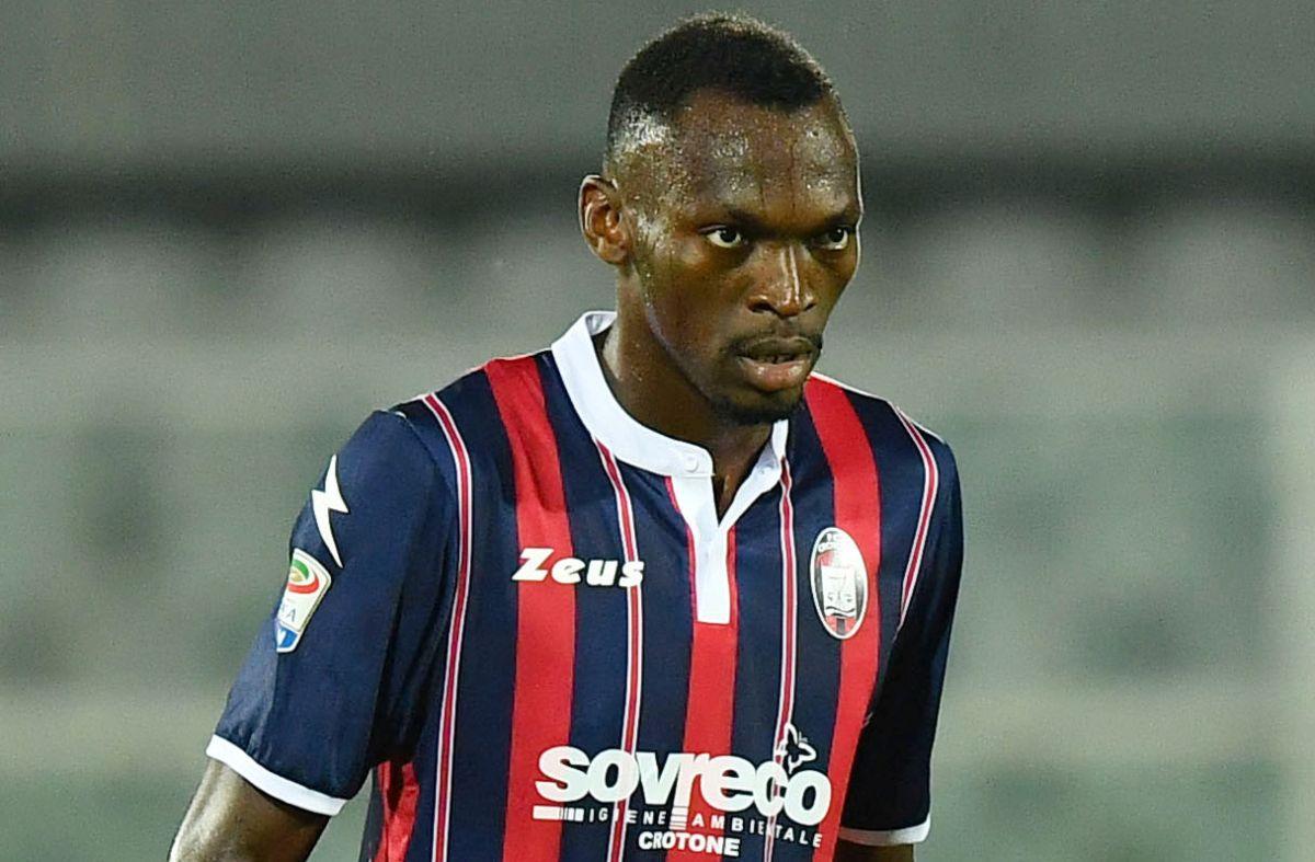 Crotone vince 4-3 a Parma, doppietta di Simy