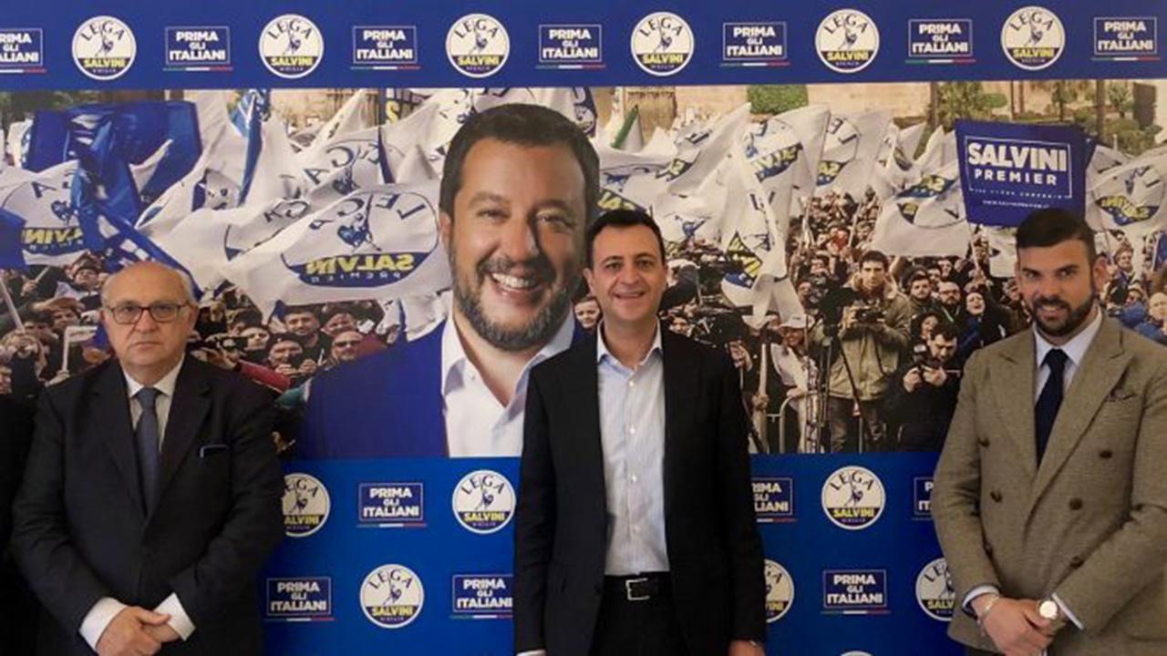 Anche l'ex presidente della provincia, Enzo Fontana, passa alla Lega