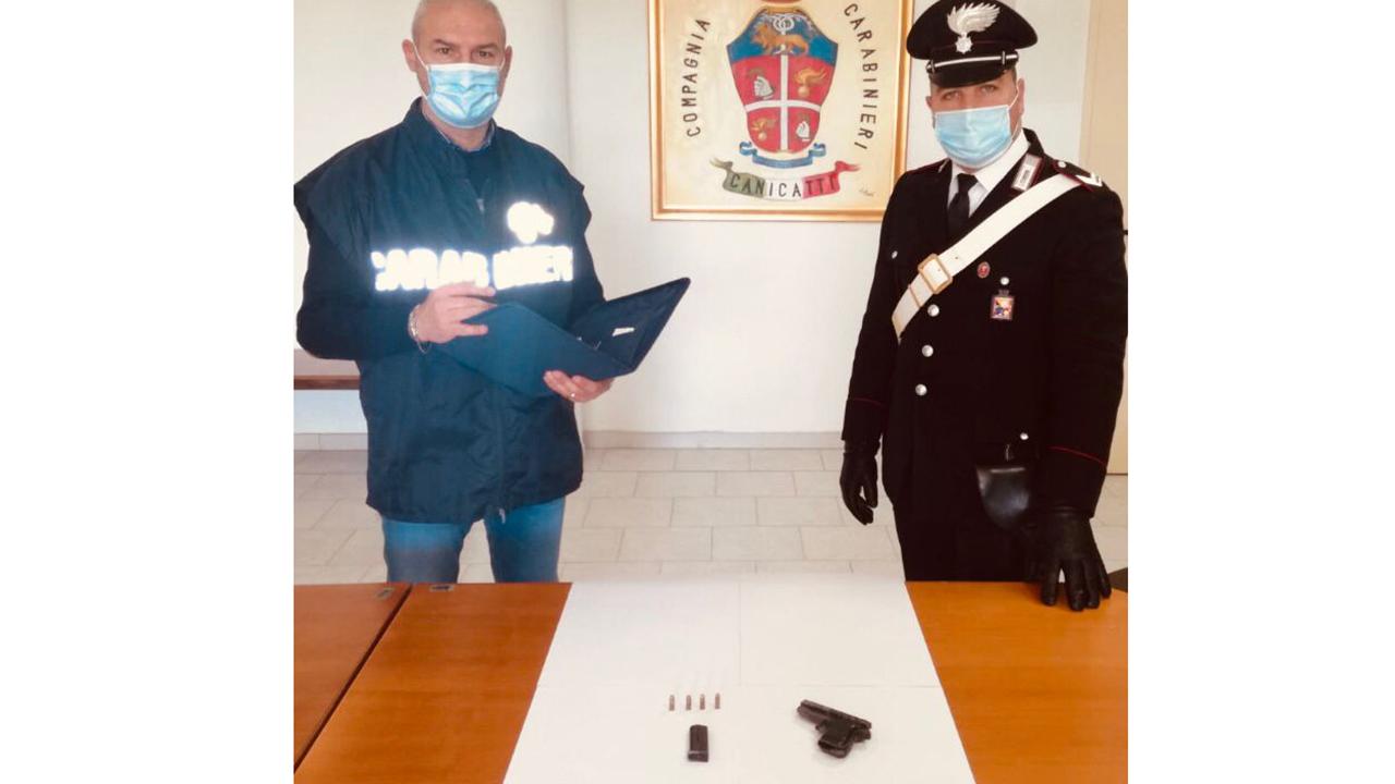 Canicattì, 90enne si reca in ospedale...ma con una pistola con colpo in canna. Arrestato dai carabinieri