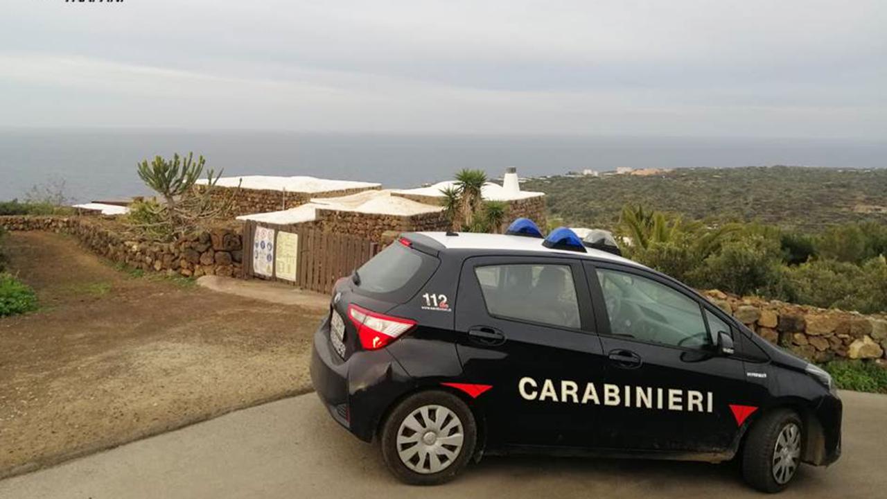 Pantelleria, festa privata in barba ai divieti Covid: sanzionati 7 giovani