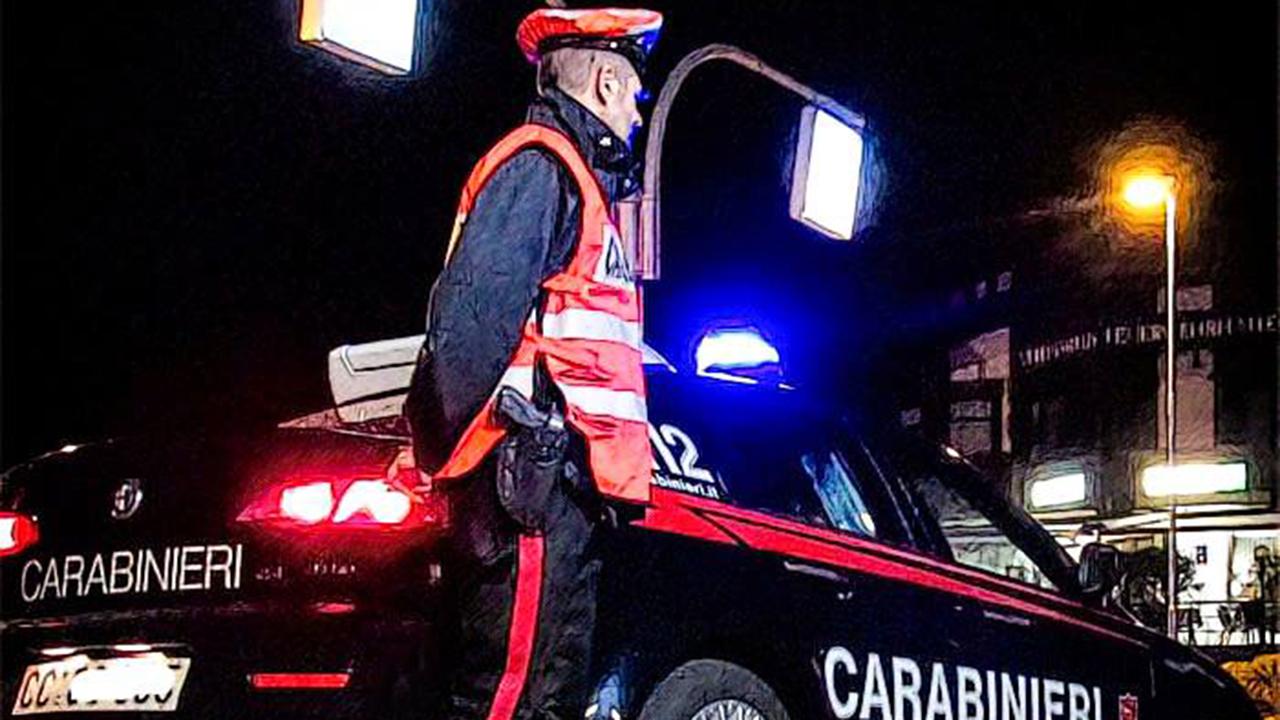 Castelvetrano, droga nei vasi di fiori e nei cassetti: denunciato un 41enne e segnalato un 33enne