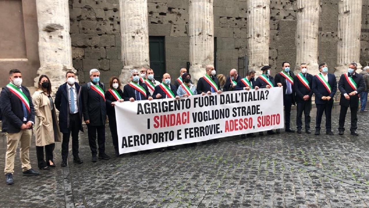 """Protesta sindaci a Roma, Cacciatore (ALI): """"No a Italia divisa in due, Draghi ci ascolti"""""""