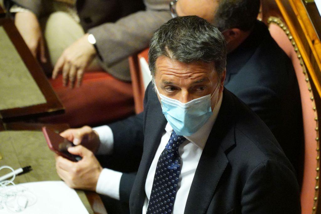 """Renzi """"Il coprifuoco va tolto, non serve più"""""""