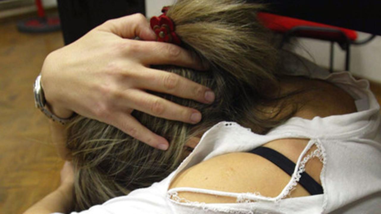 Violenza sessuale: arrestato insulta giornalisti su Fb. E così rende pubblico il suo nome