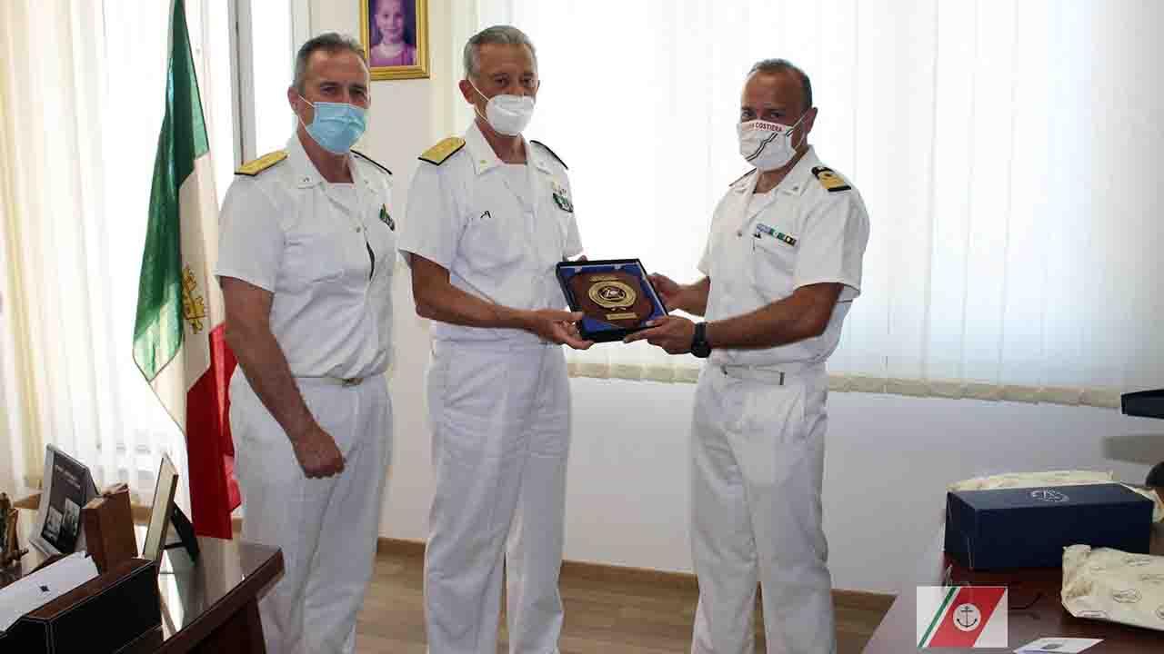 L'Ammiraglio Pettorino in visita al Compartimento di Porto Empedocle <font color=