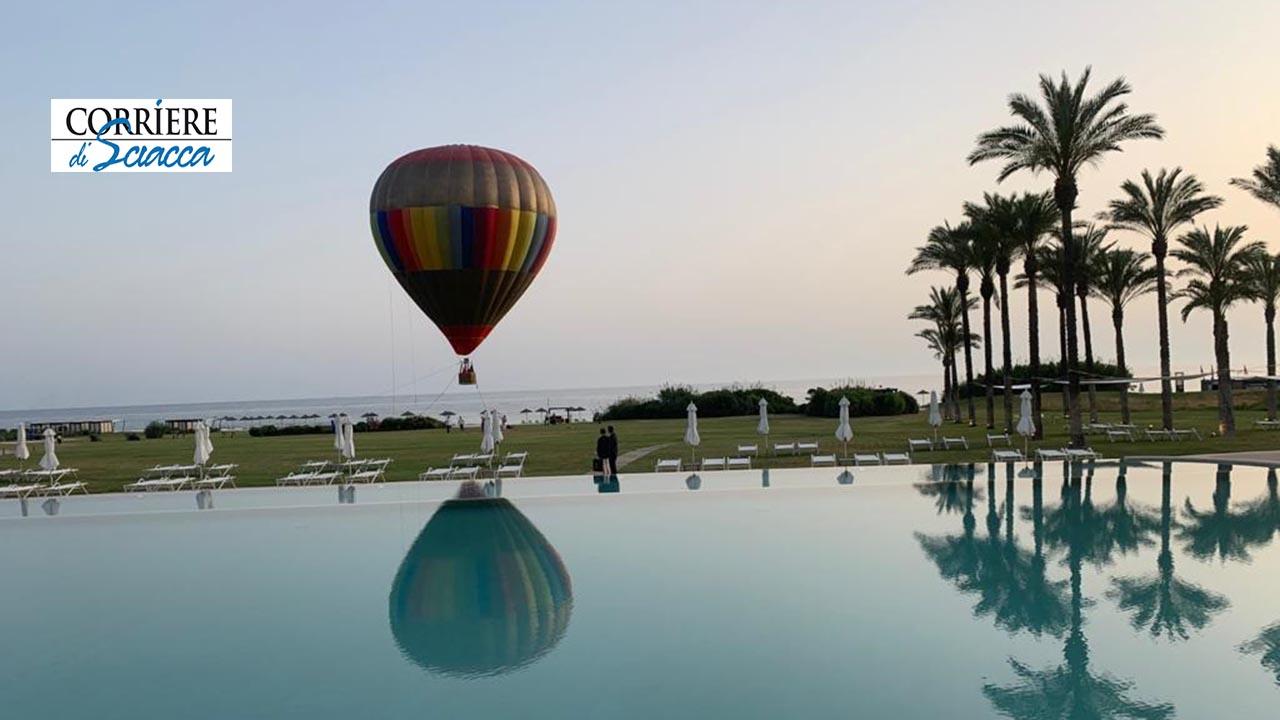 Al Verdura Resort l'emozione di un aperitivo in mongolfiera