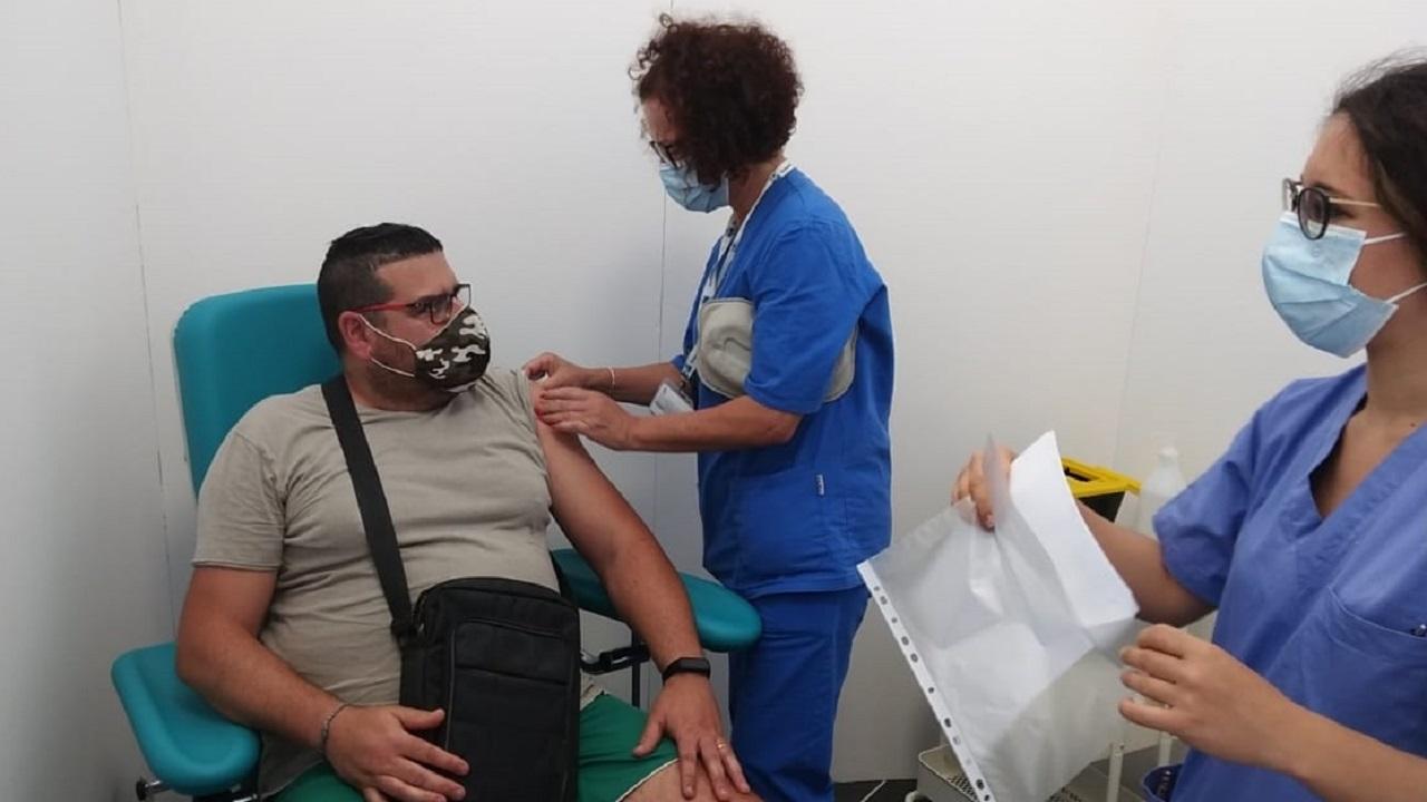 """Vaccini, Agrigento provincia virtuosa. Nell'isola 1,1 milioni di """"no vax"""" sotto i 50 anni"""
