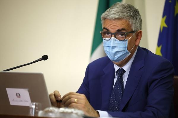 """Brusaferro """"Vaccino metodo più efficace per convincere i no vax"""""""