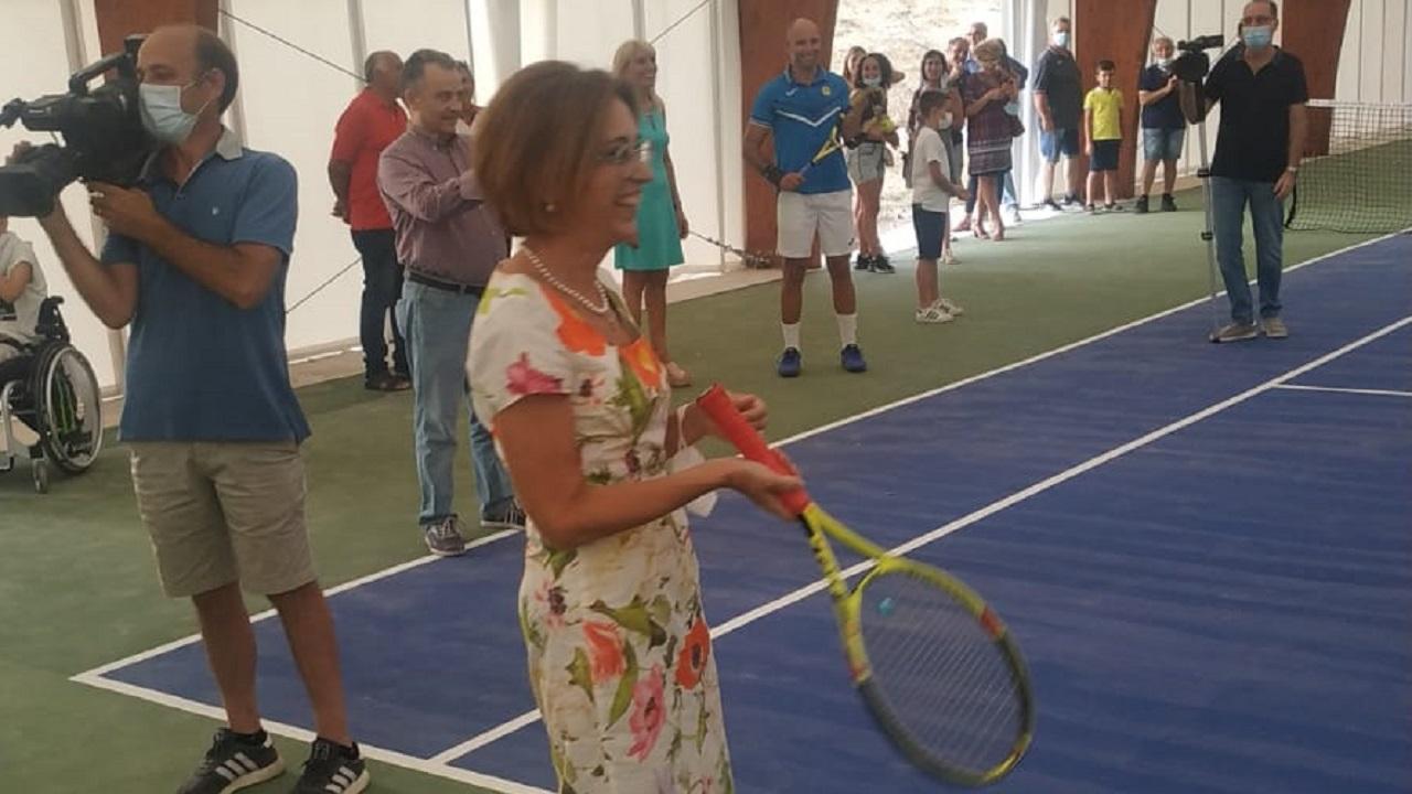 Bentornati campi da tennis comunali. Ma ora ci vuole la luce