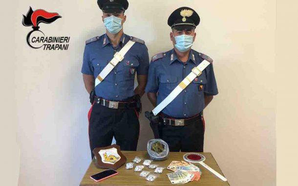 Trapani, droga tra i rifiuti: arrestato giovane spacciatore