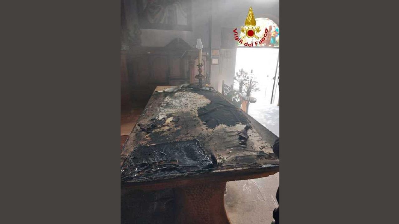 Marsala, dà fuoco al Santuario e si ustiona: denunciato