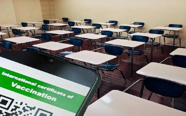 Da domani green pass nelle scuole ma cresce la protesta