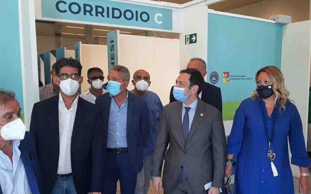 Covid, Razza all'Hub vaccinale di Agrigento: