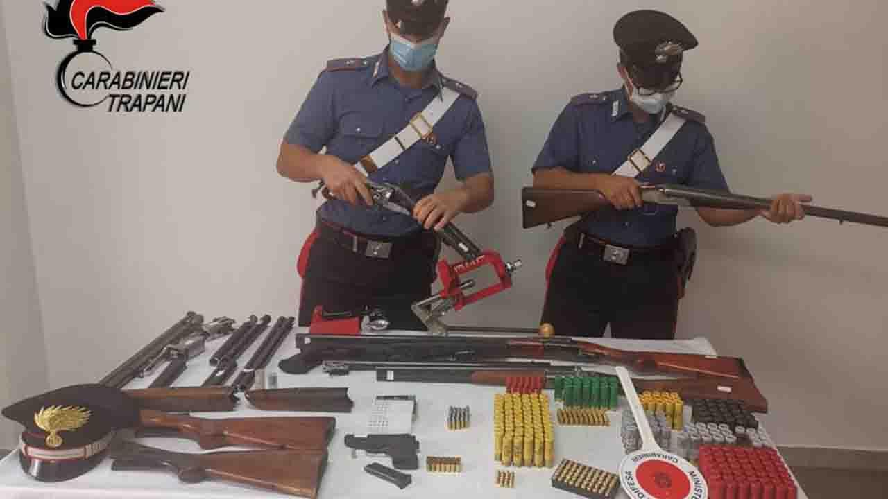 Sequestrato a Partanna un arsenale di armi clandestine e modificate illegalmente. Indagini della Procura di Sciacca