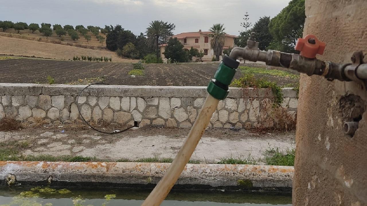 Acqua a S.Calogero: da 2 anni sette utenti in attesa di una modifica