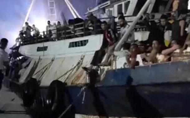 Migranti: maxi sbarco a Lampedusa, sono oltre 500 i migranti